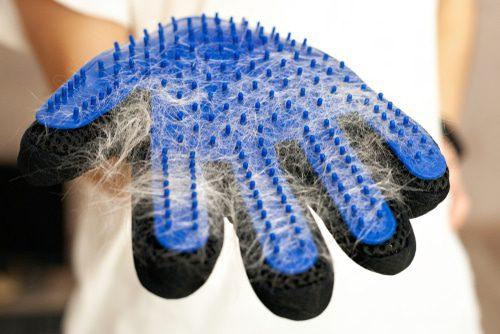 Fellpflegehandschuh nach der Nutzung